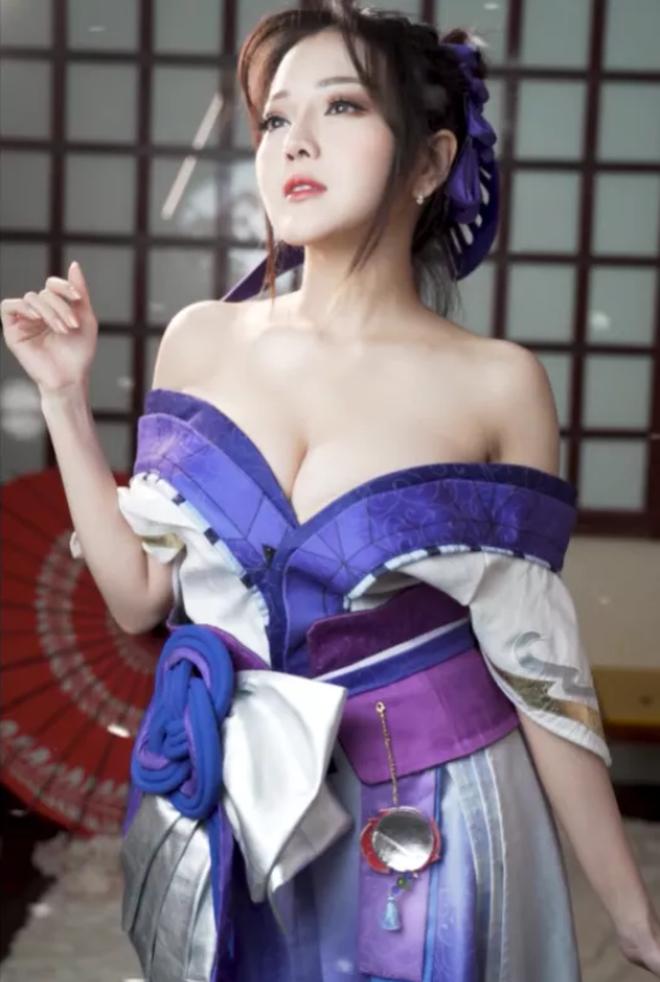 Mỹ nữ cosplay tướng game: Nóng bỏng, quyến rũ, gấp nhiều lần bản gốc!