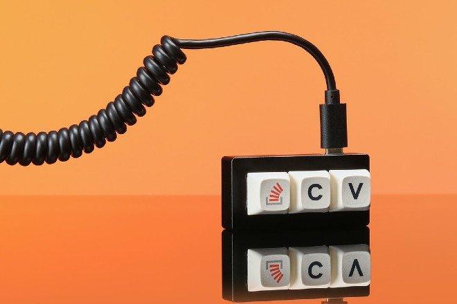 Bàn phím tối giản nhất thế giới, chỉ 3 phím Ctrl - C - V, giá 660.000đ